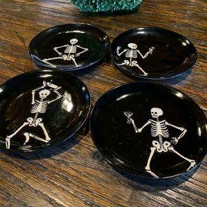 Pottery Barn Skeleton Halloween 4 Plate plates set